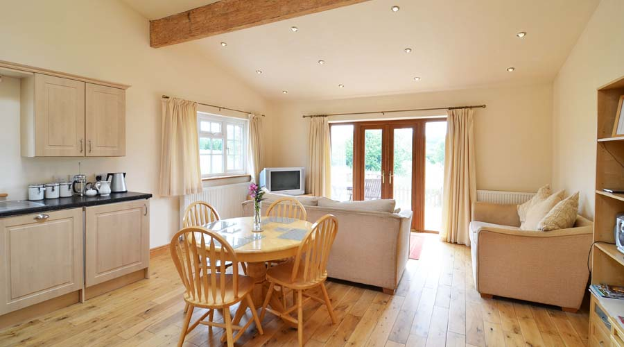 Excellent Self Catering Holiday Cottages Sleeps 2 6 On Isle Of Wight Beutiful Home Inspiration Ommitmahrainfo